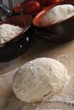 Het deeg van het brood, pizzadeeg Stock Fotografie