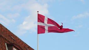 Het Deense Vlag golven stock videobeelden