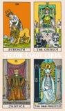 Het dek kleurrijke illustratie van tarotkaarten met magische en mysticus grafische details royalty-vrije illustratie