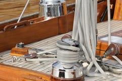 Het dek van de zeilboot Royalty-vrije Stock Afbeeldingen