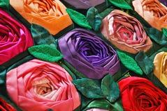 Het dekbed van het lapwerk met bloemen Stock Foto's