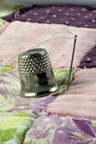Het dekbed van het vingerhoedje en van het lapwerk Royalty-vrije Stock Foto's