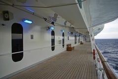 Het dekgang van het cruiseschip Stock Afbeelding