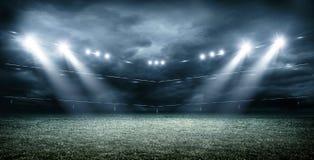 Het Denkbeeldige Voetbalstadion met donkere wolken, het 3d teruggeven vector illustratie