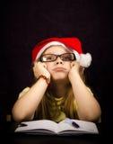 Het denken bij een Brief aan santa Stock Foto's