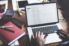 Het Denken van zakenmanusing laptop working Concept Stock Afbeelding