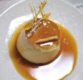 Het dessert van de karamel Stock Foto's