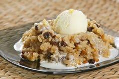 Het dessert van de rijst met roomijs stock afbeelding