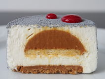 Het dessert van de vanillekaramel, dwarsdoorsnede Stock Foto's