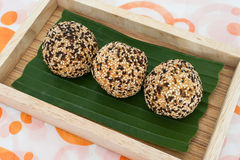Het Dessert van Thailand, Sesamballen Stock Afbeeldingen