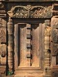 Het detail van de deur, Banteay Srei, Kambodja royalty-vrije stock foto's