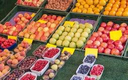 Het detail van de fruittribune Stock Foto