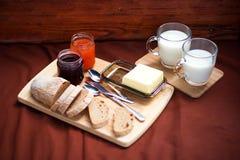 Het detail van het eigengemaakte ontbijt op de picknick royalty-vrije stock foto's