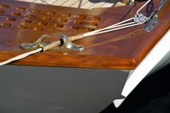 Het detail van het dek en cleat Stock Foto
