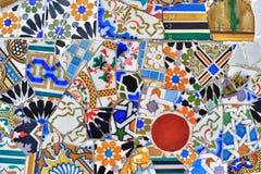 Het detail van het mozaïek in park Guell in Barcelona royalty-vrije stock foto