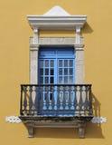 Het detail van het venster en van het balkon stock foto
