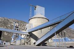 Het detailmening van de cementfabriek Stock Foto