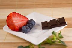Het dieet of probeert chocolade Stock Foto