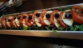het dieet van de tomatengroenten van het saladevoedsel stock foto's