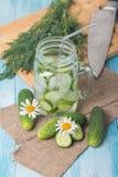 Het dieetdrank van de Detoxkomkommer Stock Afbeeldingen