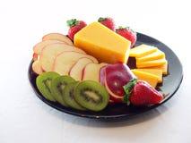 Het Dienblad van de kaas en van het Fruit Stock Afbeeldingen
