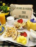 Het Dienblad van het ontbijt Stock Afbeeldingen