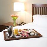 Het dienblad van het ontbijt. Stock Afbeeldingen