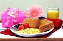 Het Dienblad van het ontbijt voor Mamma Stock Afbeelding