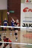 Het dienen Lucie Smutna - volleyball Royalty-vrije Stock Foto's