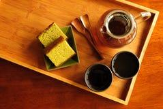 Het Dienen van de thee Royalty-vrije Stock Foto's