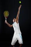 Het dienen van een tennisbal Royalty-vrije Stock Foto