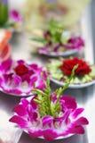 Het Dienstenaanbod van de bloem bij Tempel Lungshan Royalty-vrije Stock Foto's