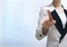 Het digitale de wereldscherm van de bedrijfsvrouwenaanraking royalty-vrije stock foto