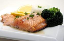 Het diner van de zalm met broccoli Stock Foto's