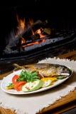 Het diner van vissen op een plaat Royalty-vrije Stock Foto's
