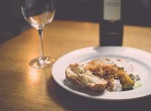 Het diner wordt gediend Stock Foto