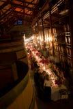 Het dineren in een wijnkelder Royalty-vrije Stock Afbeeldingen