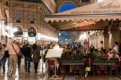 Het dineren in Milaan Stock Afbeeldingen