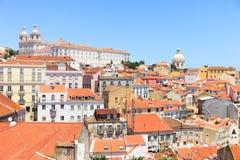 Het district van Alfama, Lissabon. Daken, Klooster, Kerk Stock Afbeelding