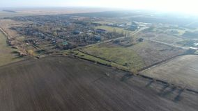 Het District van dorpselitnyy Krasnoarmeyskiy, Krasnodar Krai, Rusland Het vliegen bij een hoogte van 100 meters De ruïne en de v Royalty-vrije Stock Foto