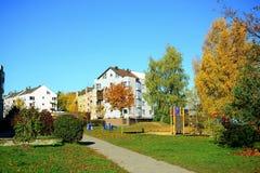 Het district van Pasilaiciai van de Vilniusstad in de herfsttijd stock foto