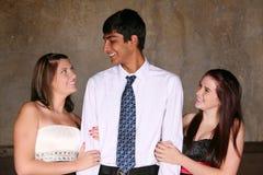 Het diverse tienerjaren flirten Royalty-vrije Stock Foto's