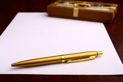 Het document & de gift van Blanc Stock Fotografie