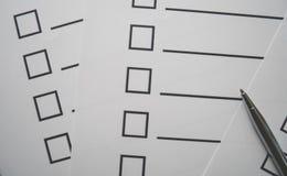 Het document en de ruimte van de controlelijst voor vullingsinformatie Stock Afbeeldingen