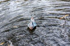 Het document van de origami schip Royalty-vrije Stock Afbeeldingen