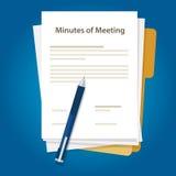 Het document van het notulen van vergadering document schrijft pen over samenvatting van mededeling in bureau Royalty-vrije Stock Foto's