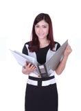Het documentdossier van de bedrijfsvrouwenlezing dat op wit wordt geïsoleerd Stock Afbeelding