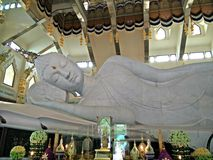 Het doen leunen Boedha Maha muni Boedha olknat Royalty-vrije Stock Foto