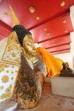 Het doen leunen van het standbeeld van Boedha in Tempel Pahnomyong Royalty-vrije Stock Afbeeldingen
