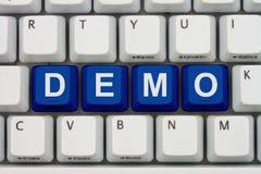 Het doen van een manifestatie op Internet stock foto
